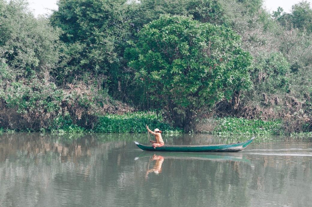 Tonle Sap sampan paddle